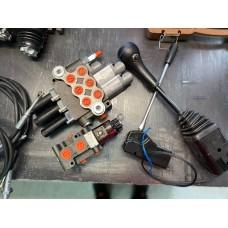 Гидрораспределитель 03Р40 (K16A1)V1 k16V1 троса 1,5 м с джойстиком( 1 кнопка) + дивертор 12В -  Комплект гидравлики на челюстной погрузчик МТЗ